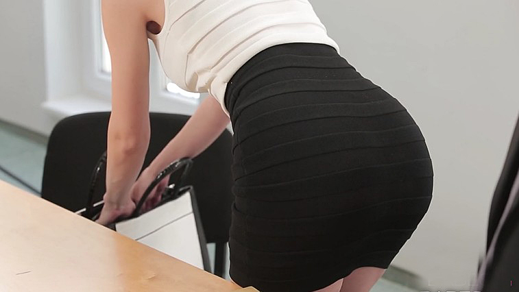 Boss and secretary accidental have sex