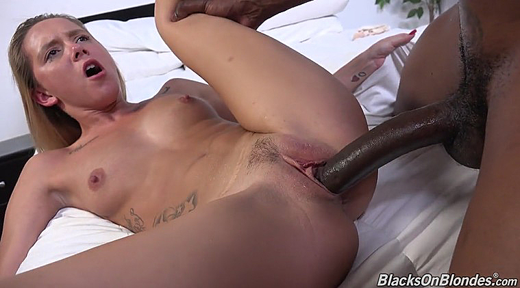 ROXANNE: White married woman fuck negro s pics