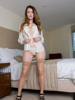 gratuit-busty-women-in-short-skirts-hand-job-latina-porn