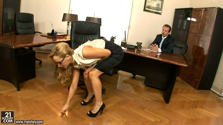Cum Inside Twice Mature Secretary