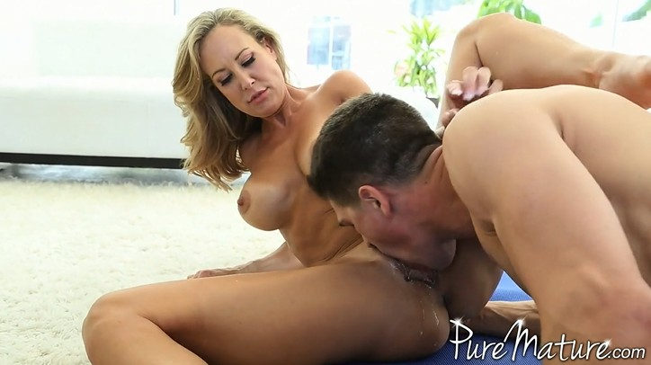 Good training at home with mature mom