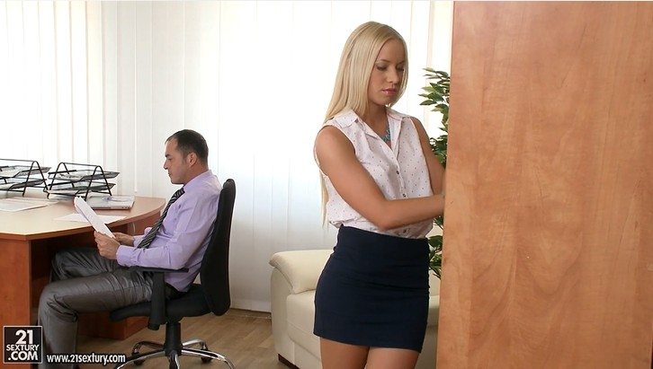 Office Slut Kiara Lord Gets Fucked Hard
