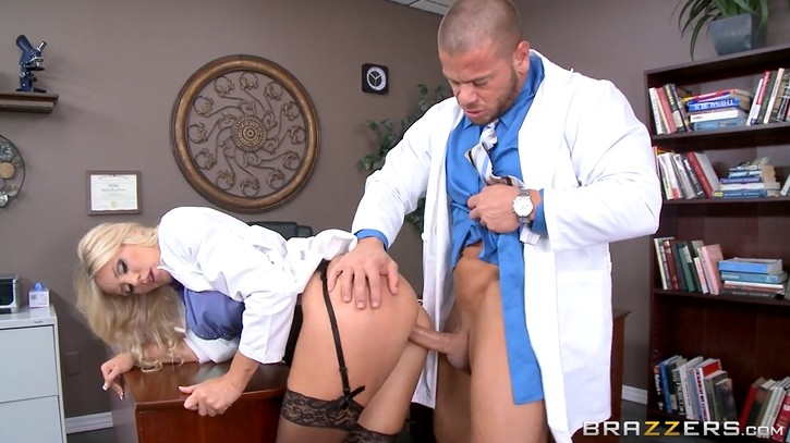 Mature Nurse in Sexy Stockings Fucked Doctor