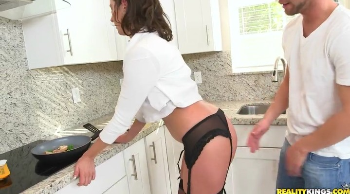 Guy fucks his mom's hairy pussy in kitchen