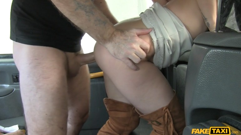 Anal Creampie in the Car