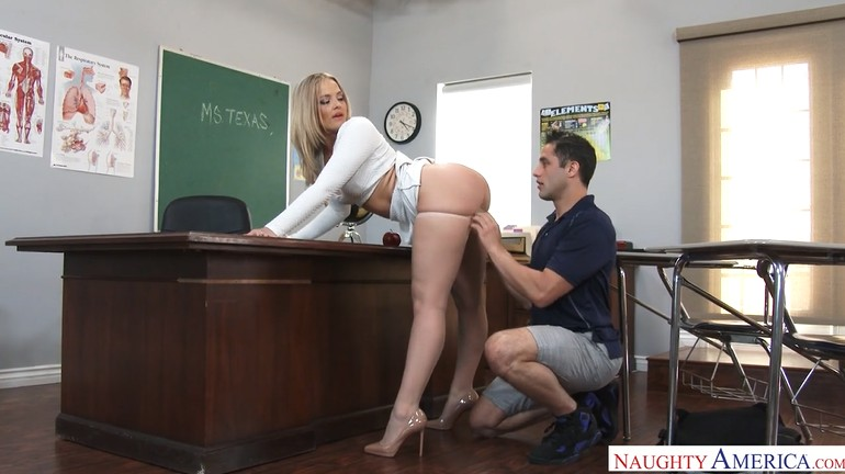 Teacher Fucks Young Student