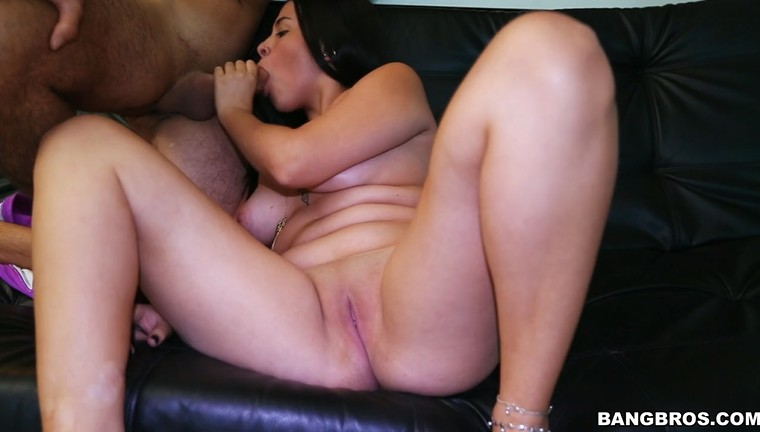 Colombian curvy bitch sucking and fucking