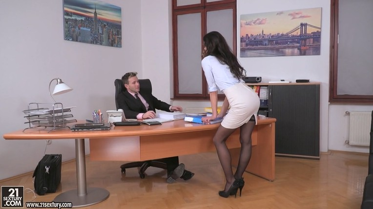 Mature secretary slut in a short skirt fucked by her boss